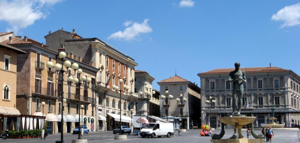 """Confcommercio L'Aquila: con il bando """"Fare Centro"""", sostegni economici alle attività produttive"""